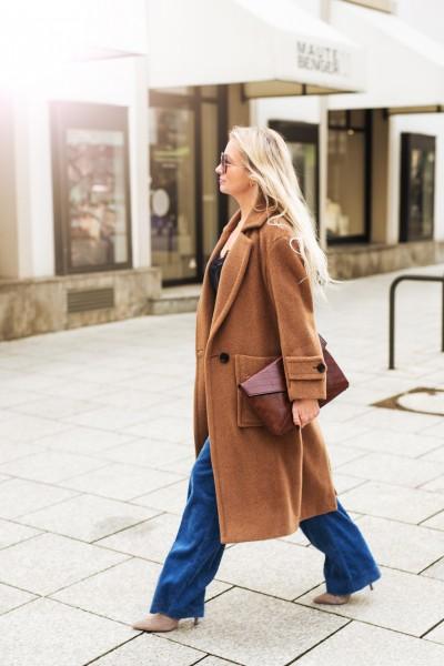 Bequemer Midi-Mantel mit aufgesetzten Taschen