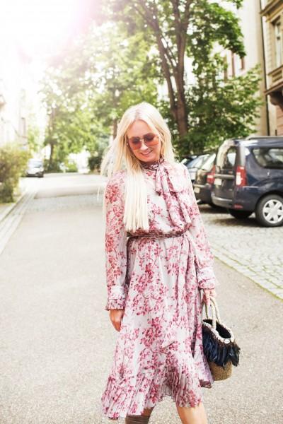 Midi-Kleid mit romantischem Blumendruck
